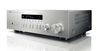 Amplituner Yamaha MusicCast R-N303D