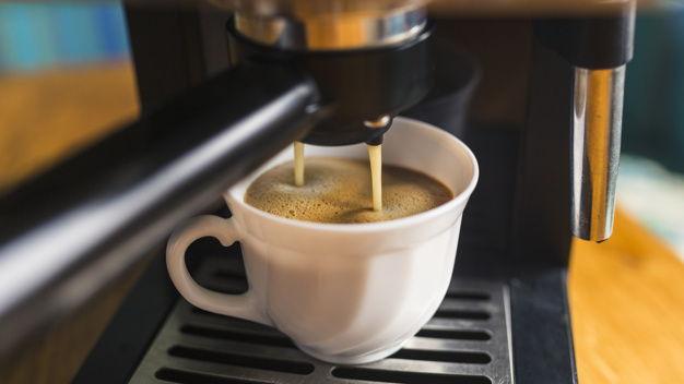 Ekspres do kawy nie działa – co robić?