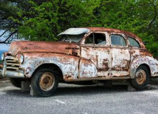 Ratunku, auto w naprawie! Jak nie zbankrutować?