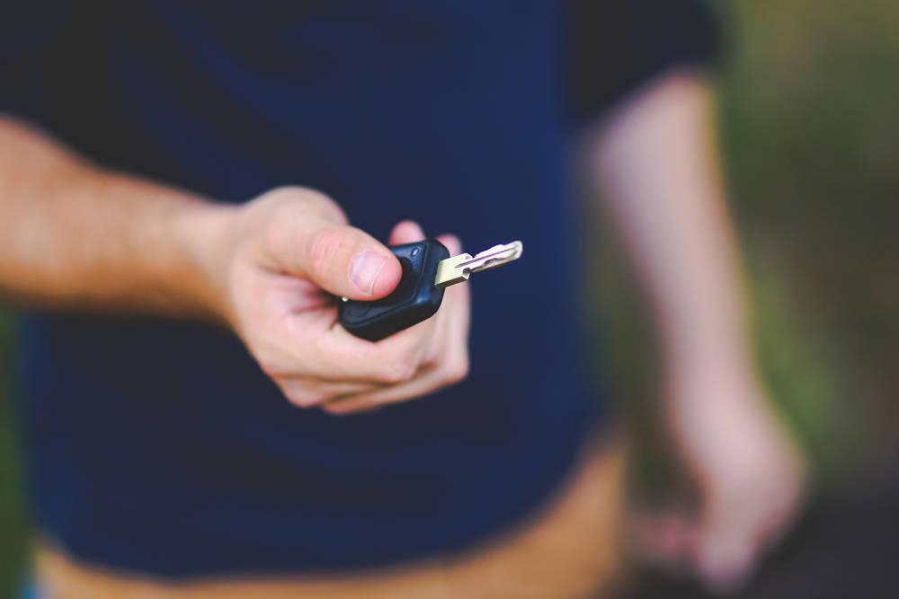 Używane auta od dealerów – co możesz zyskać?