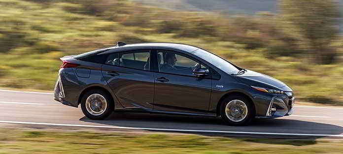 Kupujesz auto - Zaoszczędź na paliwie, wybierając odpowiednią technologię